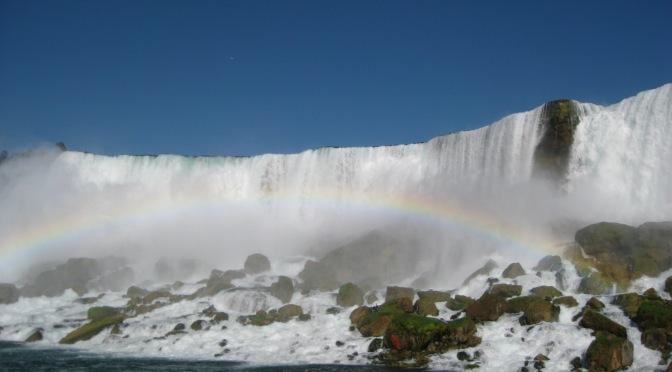 Text and nature at Niagara Falls