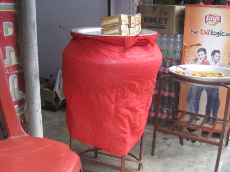 Another roadside haandi of Biryani covered in red cloth that I was talking about.